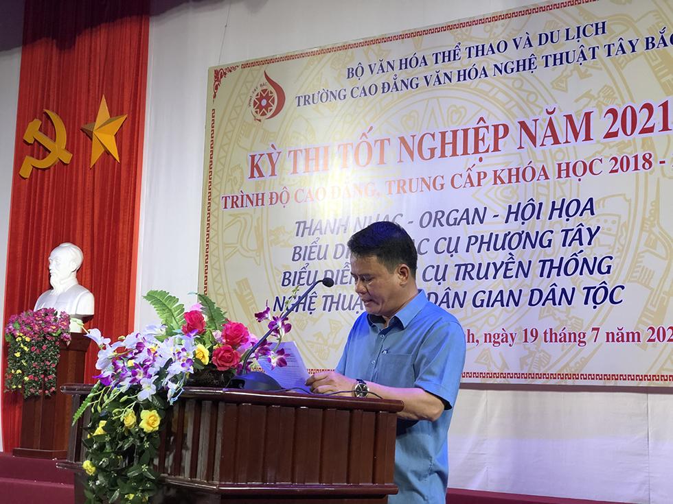 Ths Nguyen Minh Cuong Khai mac ky thi